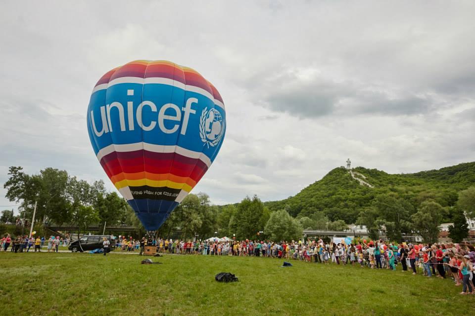 повітряна куля UNICEF